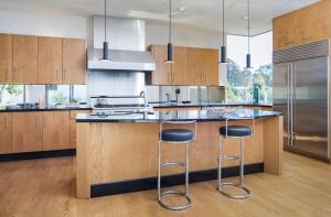 modern-kitchen-1032