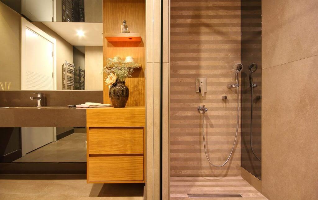 Modern Bathroom 1012