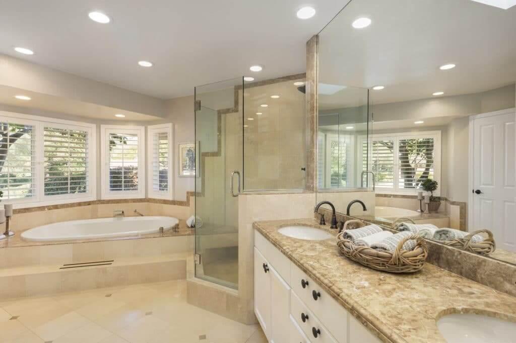 Modern Bathroom 1022