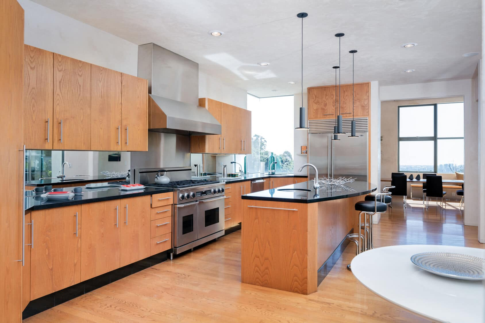 Modern Kitchen 1030